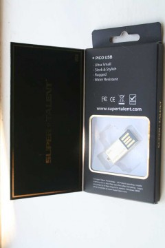Super Talent Pico C Gold 32GB Flash Drive inside