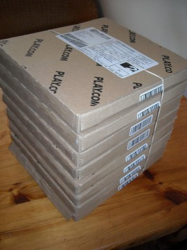 Eight boxes of HP v165w 4GB flash drives from Play.com