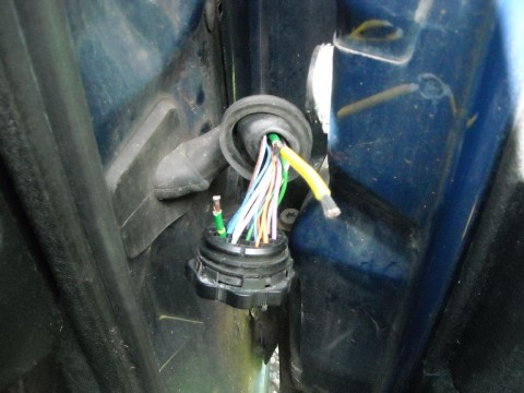 fix in progress - new yellow wire to join the broken wire
