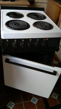 Old unbranded cooker