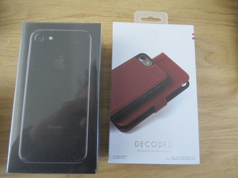 Jet Black 256GB iPhone 7 & Decoded Case